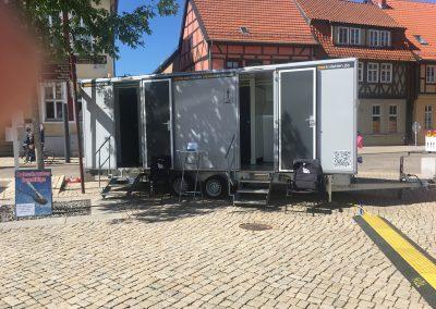 stadtfest toilettenwagen gross hertel toiletten toilettenwagen mieten