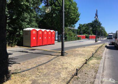 berliner firmenlauf toilettenkabinen aufgereiht hertel toiletten