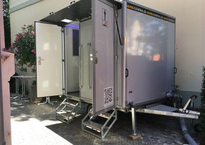 Jahresfeier Zahnarzt toilettenwagen klein hertel toiletten aussenansicht